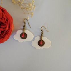 Boucles d'oreilles porcelaine de forme nuage gouttes rouges Capucine